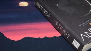 Artemis, Andy Weir, Marsjanin, podróż w Kosmos, życie na Księżycu